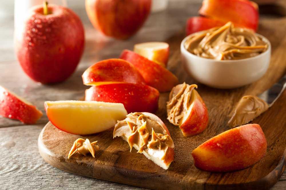 Apfel Erdnussbutter Snack