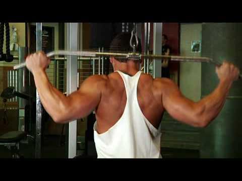 latziehen hinter dem nacken weit - Latziehen hinter dem Nacken weiter Griff